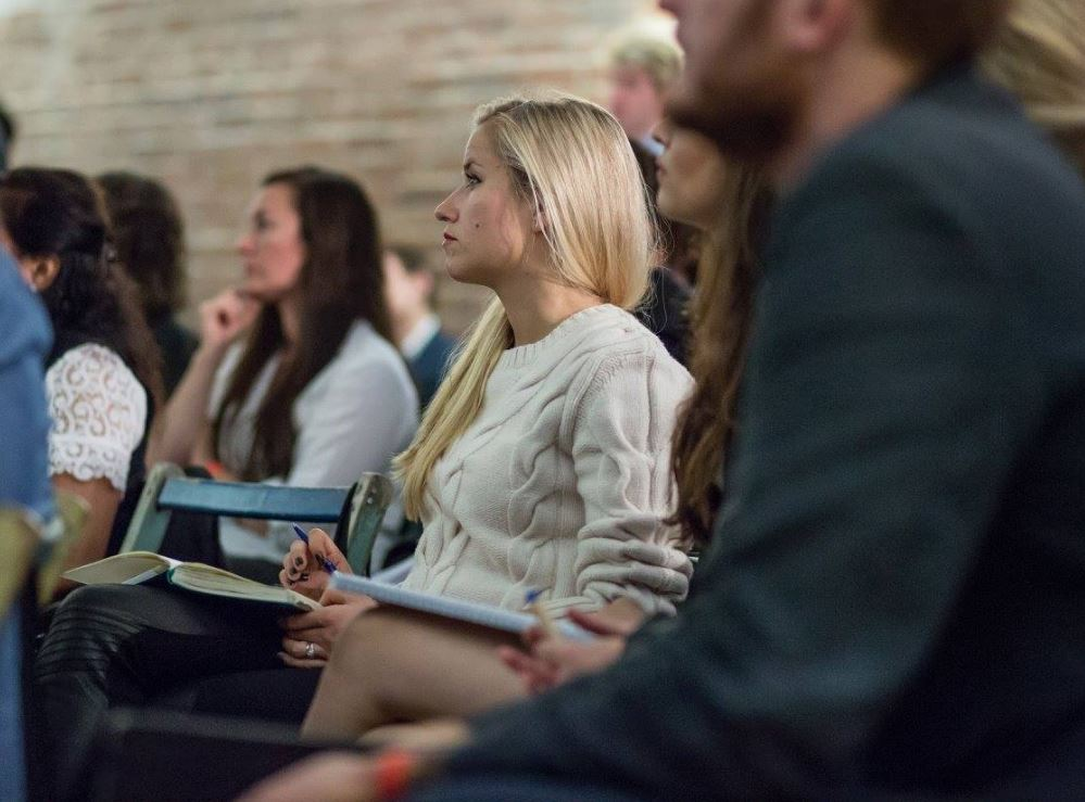 Virgin StartUp Meetup Bournemouth: How to find your first 1,000 customers