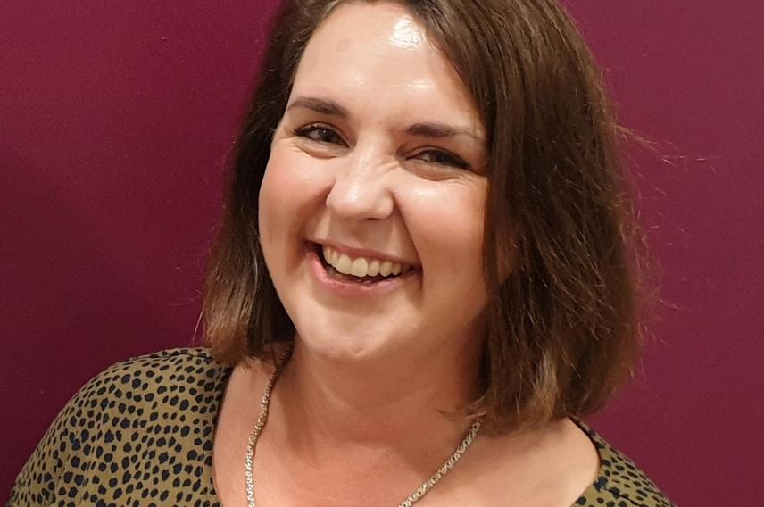 Photo of Gillian Roche-Saunders